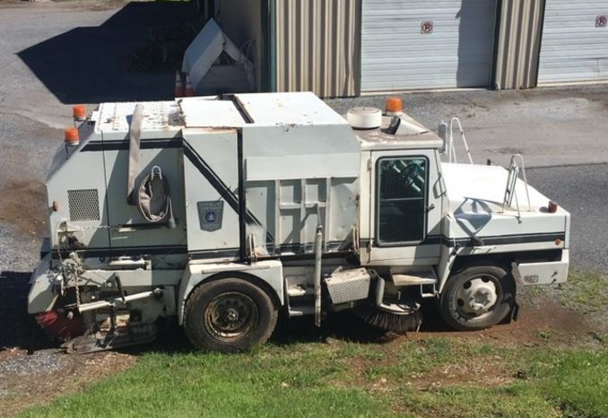 1986 Athey Mobil Sweeper
