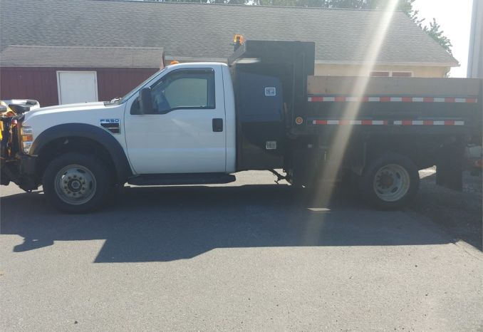 2008 F550 Dump Truck with plow and salt spreader