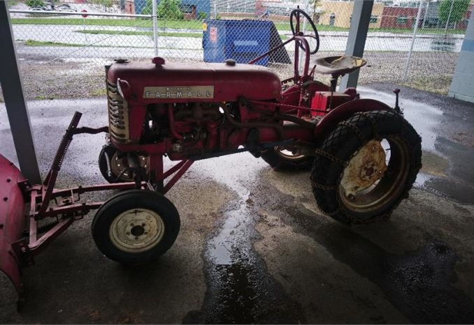IH Farmall Cub Tractor