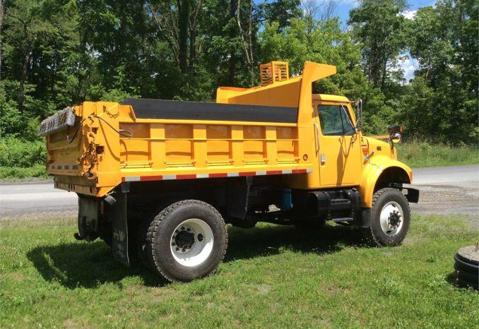 1998 International 4800 4x4 Dump Truck