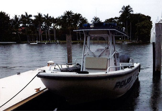 2006 26' Boston Whaler Commercial Center Console