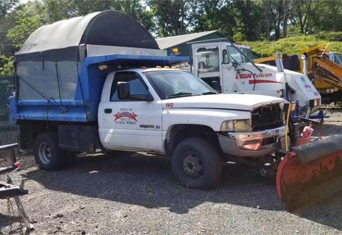 2001 Dodge Ram 3500 4x4 Dump Truck #140