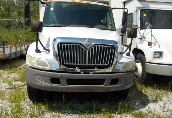 2005 INTERNATIONAL 4200 VT 365 RWD DUEL WHL TRUCK / LOT216-050003