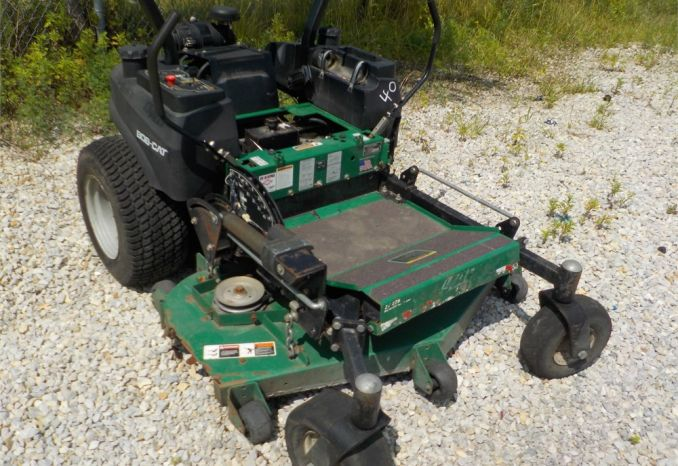 2006 BOB CAT ZT225 ZERO TURN MOWER / LOT40-060086