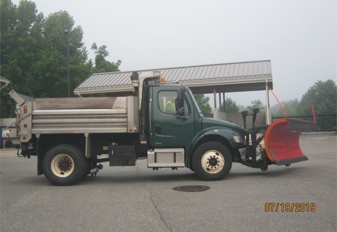 2003 Freightliner Dump Truck with Plow