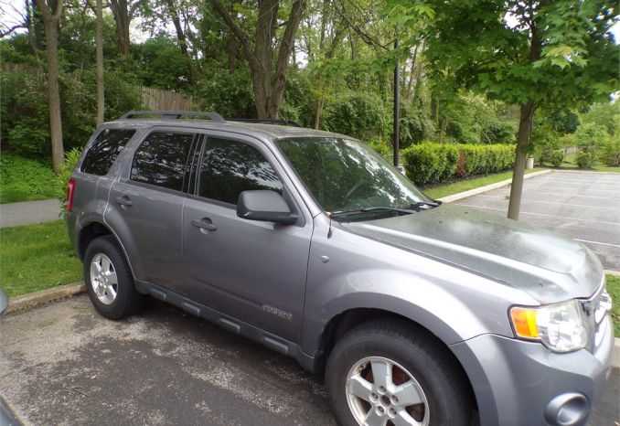 2008 Grey Ford Escape AWD