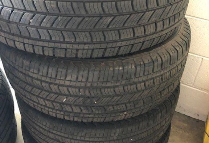 Set of 4 P265 65 18 tires