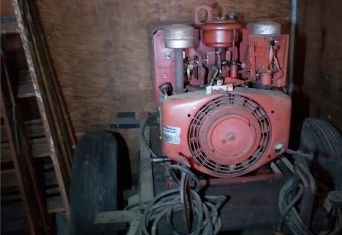 LOT Bid, Lincoln Welder / generator, mower, tool box. 3 items