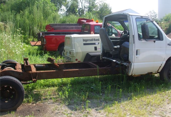 1998 Ford E-350 Cab and Chassis