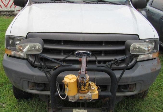 2004 Ford F250 4x4 Truck-DSS2234