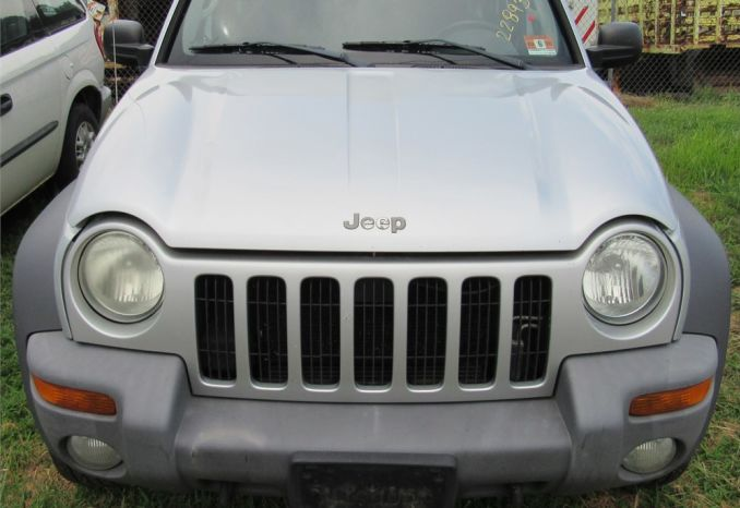 2004 Jeep Liberty-DSS2235
