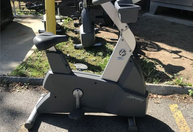 Life Fitness Stationary Bike