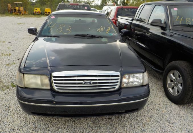 2001 FORD CROWN VICTORIA RWD / LOT483-015331-R