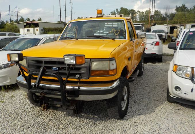 1996 FORD F350 XL 4X4 PICKUP / LOT476-960266-R