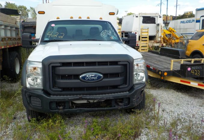 2013 FORD F550 SUPER DUTY 4X2  DUAL WHL PICKUP / LOT422-130025-R