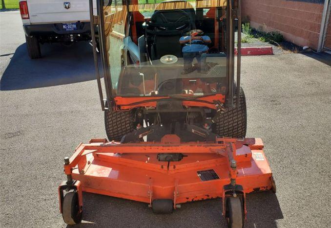 Kubota F2690 tractor