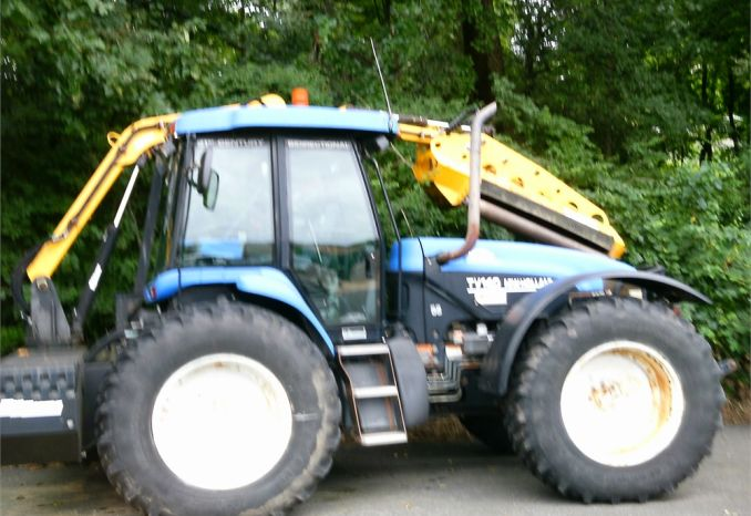 2003 Ford TV 140 Tractor
