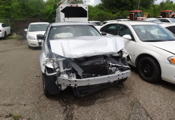 2008 Dodge Magnum, Wrecked in front and rear, does not run.