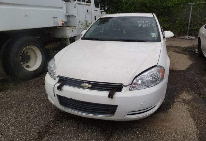 2008 Chevrolet Impala, possibly missing parts, does not run.