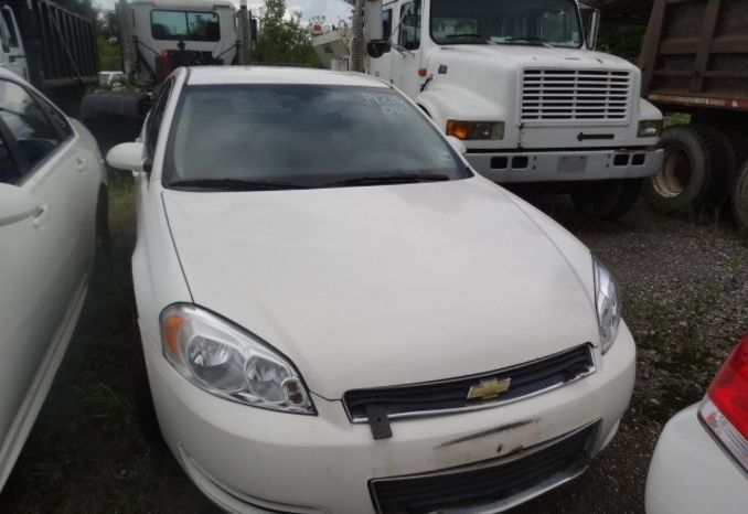 2009 Chevrolet Impala, does not run, possibly missing parts.