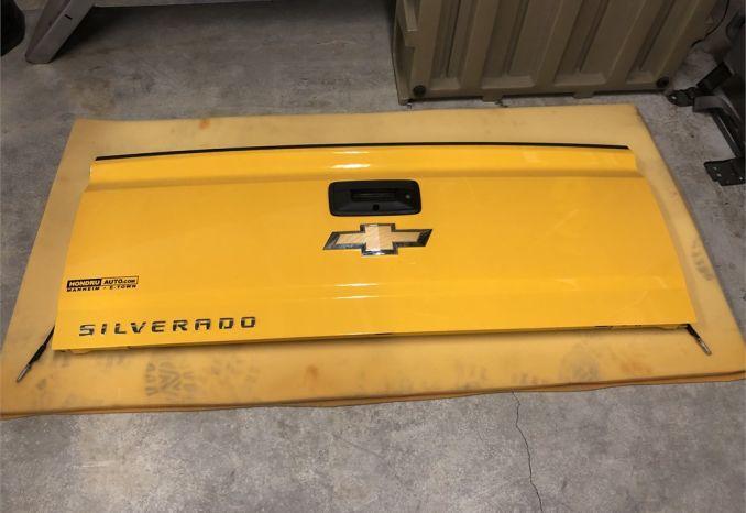 2015 Chevy Silverado 3500 Tailgate