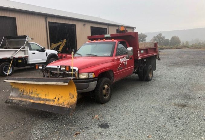 1996 Dodge  3500 plow truck