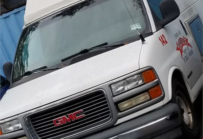 2001 GMC Savanna van
