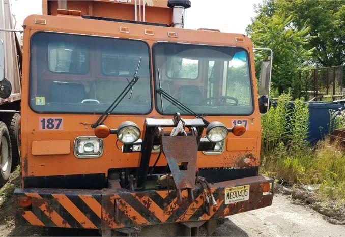 2000 Crane Carrier Garb Truck