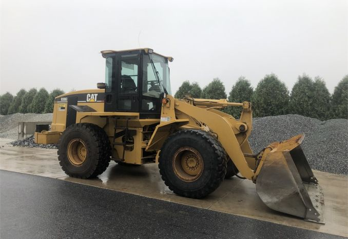 2001 Caterpillar Loader 938G w/Balderson Quick Coupler