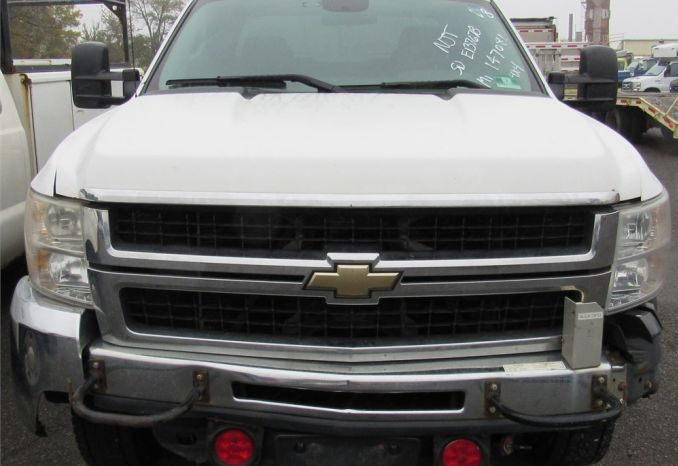 2009 Chevy Silverado 3500 4x4 pick up-DSS2350