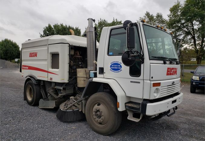 2006 Ford / Sterling Street Sweeper SC8000