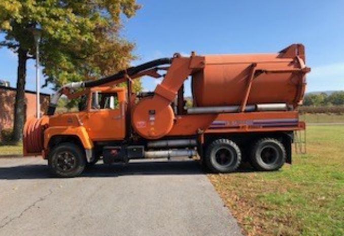 1984 Vactor Combination Truck