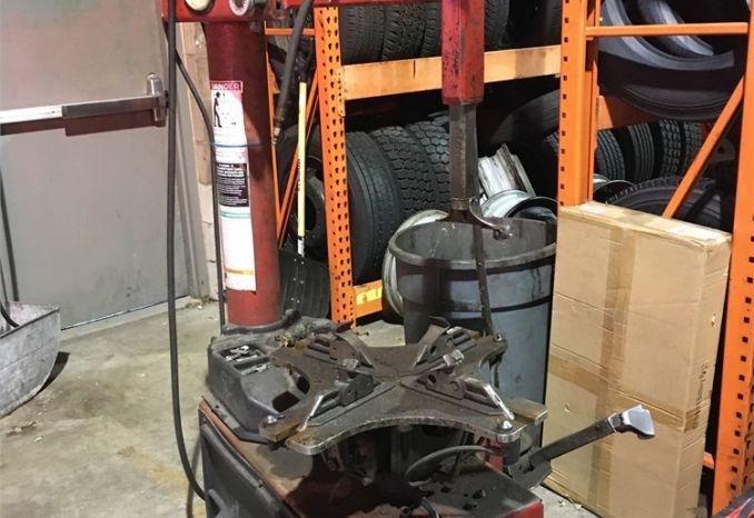 Coats Tire Machine