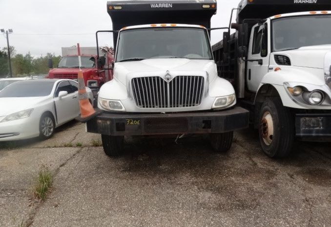 2008 International trash truck, will run, needs batteries