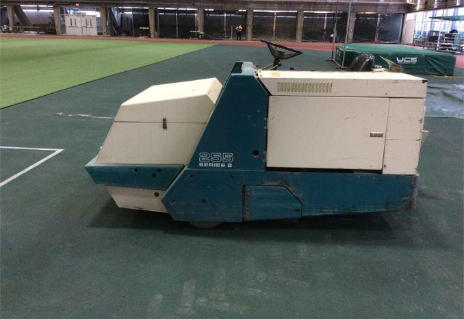 Tennant 255 Series II  Propane Sweeper