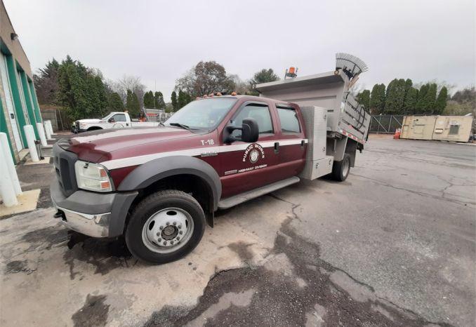 2005 F-550 Dump Truck
