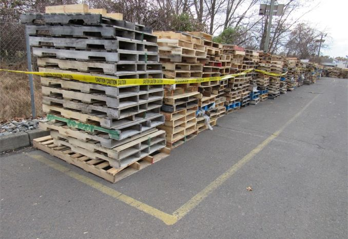 Approximately 510 wood pallets-DSS2389