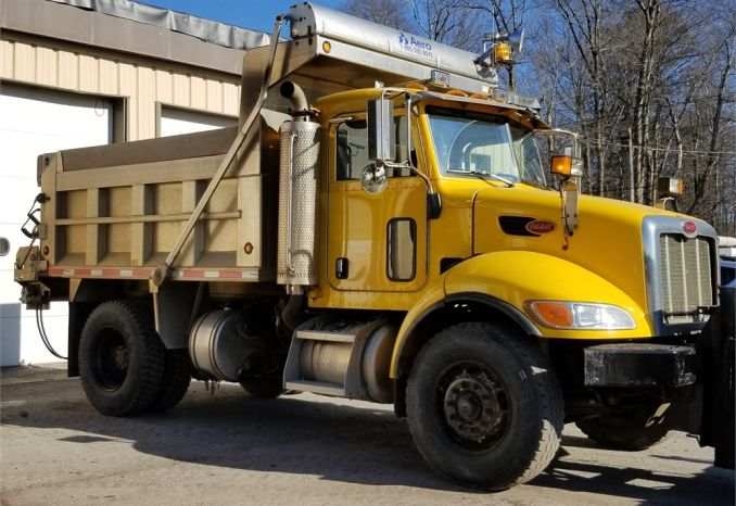 2006 Peterbuilt Model 335 Dumptruck