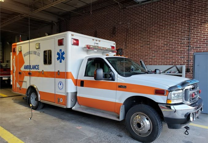 2004 Ford F450/Horton Ambulance 4WD - Bariatric