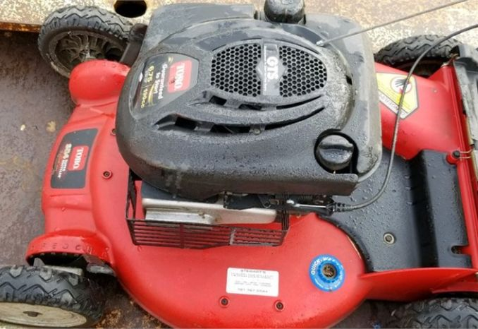 4 used Torro push mowers