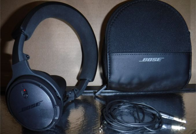 Bose Headphones black with carrying case - gently used