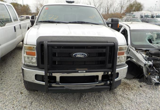 2009 FORD F250 XL SUPERDUTY 4X4 PICKUP WITH CAP / LOT677-540417-R