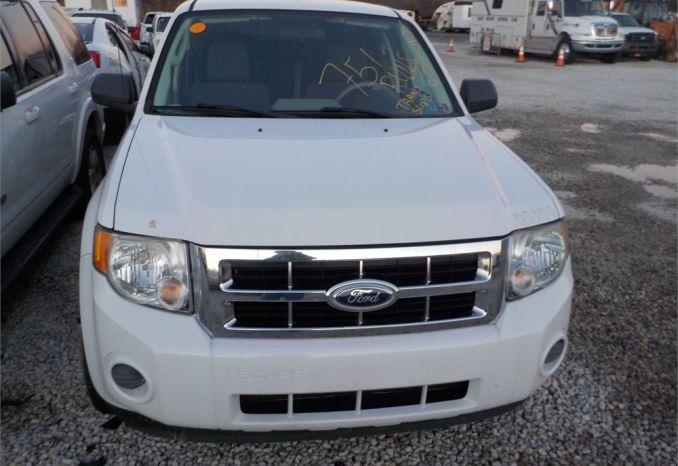 2010 FORD ESCAPE 4X4 SUV / LOT751-105104-R