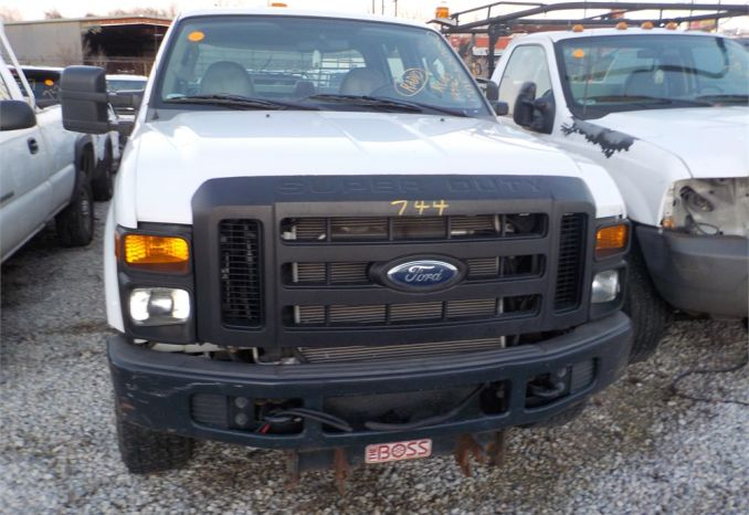 2008 FORD F350 XL SUPER DUTY 4X4 PICKUP / LOT744-085265-R