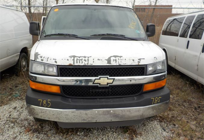 2010 CHEVROLET EXPRESS STABILITRAK RWD VAN / LOT785-105134-R