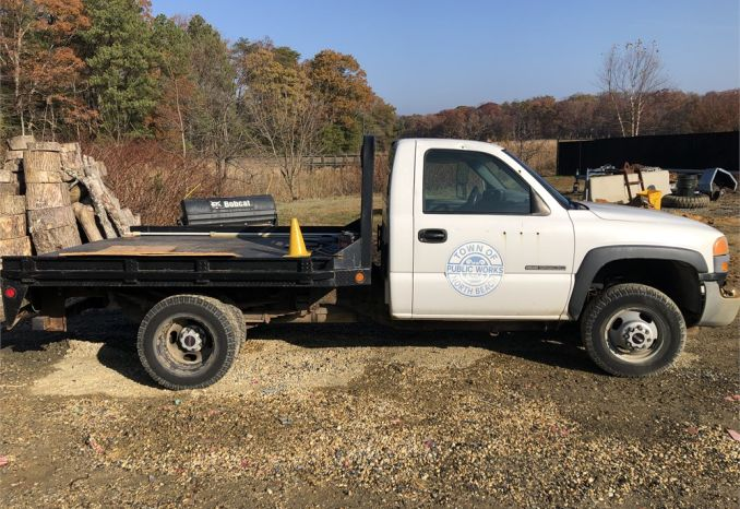 2003 GMC Sierra 1 Ton Dump converted to a flat bed truck