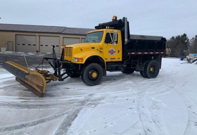 4 Wheel Drive Plow Truck with 10ft Plow and Salt Spreader