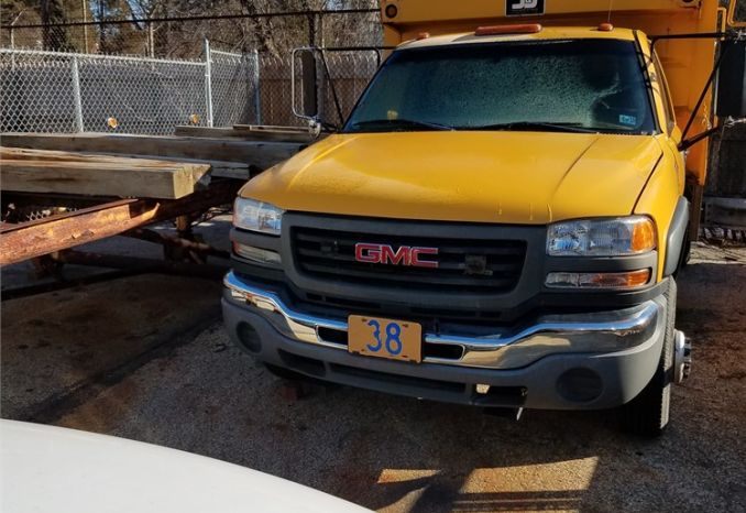 2005 GMC Sierra 1 Ton Dump Truck