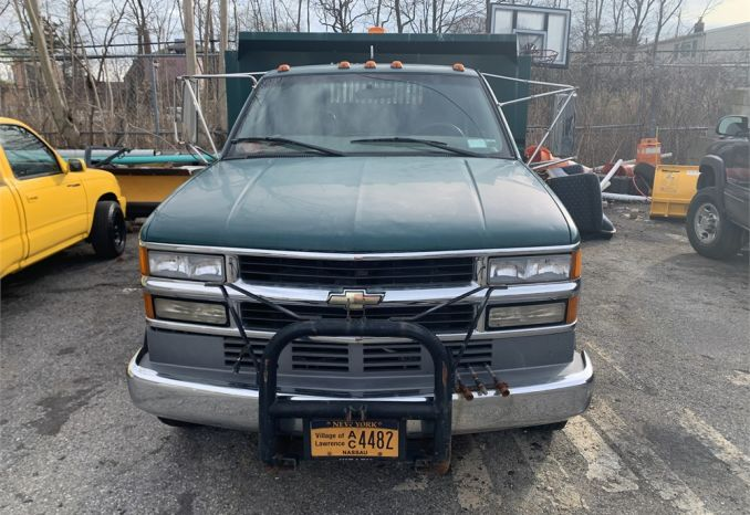 2001 Chevy C3500 HD Base / LS (Flatbed w/ Dump Body)