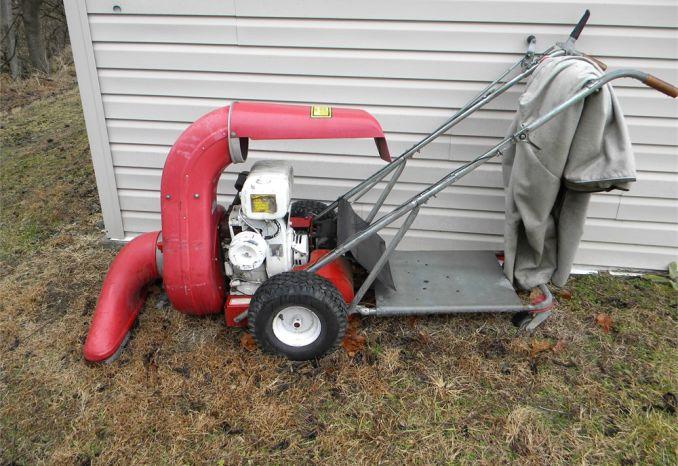 1988 Parker Vacuum Sweeper